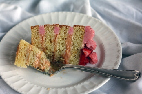 StrawberryLemonadeCakeSlice